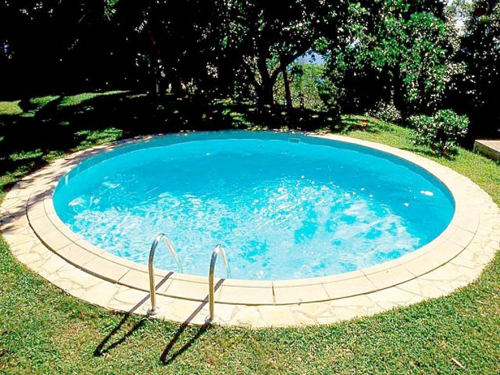 Piscinas poliester piscinas poliester blog for Piscinas enterradas poliester